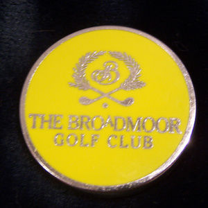 THE BROADMOOR MOUNTAIN Accessories - RARE THE BROADMOOR MOUNTAIN GOLF CLUB COIN S3296